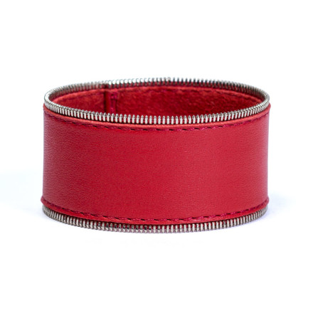 Кожаный браслет Addicted Red
